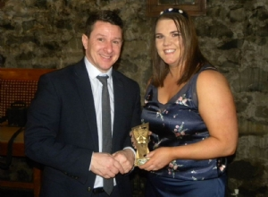 Siobhan Doherty receives the Div 3 POTY